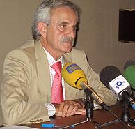 Rueda de prensa del delegado del Gobierno en Melilla, José Fernández Chacón. (Foto: EFE)