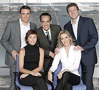 De pie, de izda. a dcha., Juan A. Villanueva, Valentín y Mario Picazo. Sentadas, Alejandra Herranz (ida.) y Ángeles Blanco.