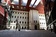 El acceso a los tres nuevos edificios del Museo Reina Sofía. (Foto: EFE)