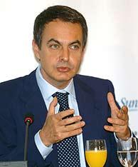 Zapatero, durante los desayunos de Europa Press. (Foto: EFE)