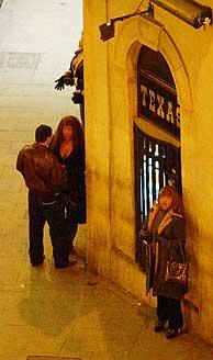 Prostitutas en la calle de Montera (Foto: Jaime Villanueva)