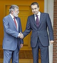 Juan Carlos Rodriguez Ibarra, con el presidente del Gobierno en Moncloa. (Foto: Carlos Barajas)