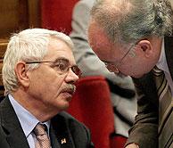 Maragall con Carod, el pasado día 28 en el Parlamento catalán. (Foto: EFE)