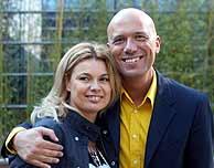 Alfonso Arús y su esposa conducen un programa en TVE-1. (Foto: El Mundo)