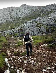 Un montañero afronta una jornada de campo. (Foto: Iñaki Andrés)