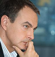José Luis Rodríguez Zapatero, en actitud pensativa. (Foto: EFE)