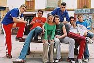 Reparto de '7 vírgenes'. (Foto: EL MUNDO)