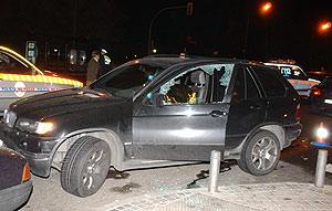El coche en el que estaba la pareja. (Foto: Paco Toledo)