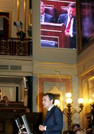 Rodríguez Zapatero, durante el debate sobre el Estatut. (Foto: EFE).
