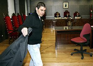 Otegi, en el inicio del juicio desarrollado en Bilbao en marzo por injurias al Rey. (Foto: EFE)