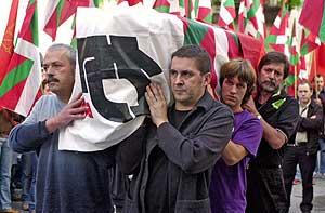 Arnaldo Otegi en el homenaje a un etarra. (Foto: ELMUNDO)