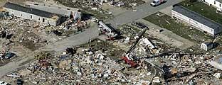 Zona de Evansville (Indiana) afectada por el tornado. (Foto: AP)