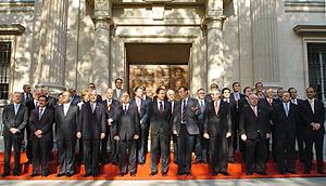 El presidente del Gobierno posa junto a los presidentes autonómicos. (Foto: EFE)