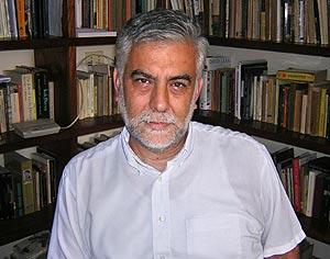 El escritor peruano Alonso Cueto. (Foto: EFE)