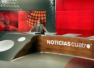 Gabilondo, en su plató de noticias. (Foto: EFE)