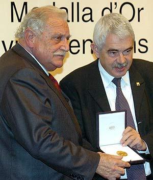 El presidente de la Caixa, Ricard Fornesa, y Maragall, durante un acto reciente. (Foto: EFE)