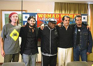 Varios de los músicos que participan en el Womad. (Foto: EFE)