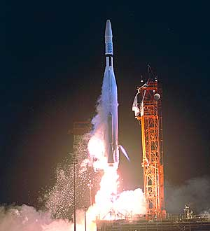 La sonda Mariner 1, durante su despegue. Explotó segundos después. (Foto: NASA)