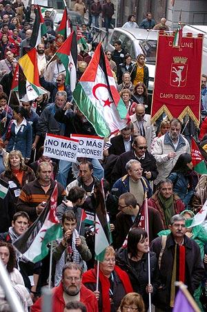 Miles de personas han salido a las calles de Madrid. (Foto: EFE)