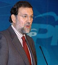 Rajoy, durante la rueda de prensa en la sede del PP. (Foto: EFE)