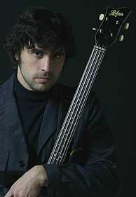 Fernando Blanco (bajo y voz de Súper Ratones).
