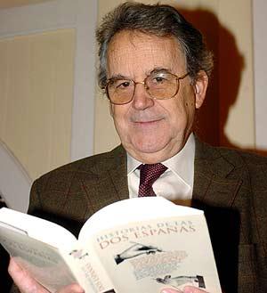 El historiador, en la presentación de su libro el año pasado. (Foto: EFE)