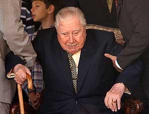 Augusto Pinochet, en su residencia La Dehesa, en septiembre de 2003. (Foto: EFE)
