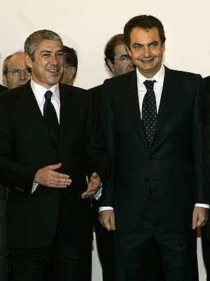 Jose Luis Rodriguez Zapatero y José Sócrates. (Foto: AP):