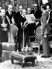 Juan Carlos de Borbón jura como Rey de España. (Foto: EFE)