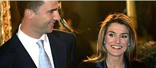 Los Príncipes, durante la recepción en Palacio. (Foto: EFE)