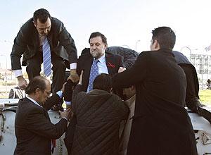 Mariano Rajoy, saliendo del helicóptero. (Foto: EFE)