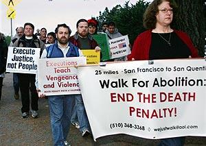 Un grupo de personas se manifiesta contra la pena de muertes. (Foto: REUTERS)