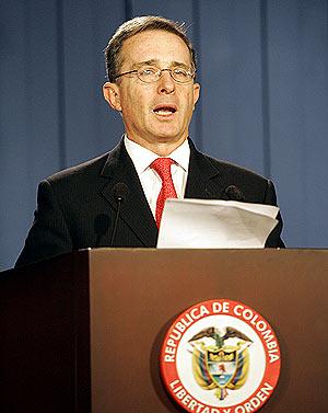 El presidente colombiano, Álvaro Uribe. (Foto: AP)