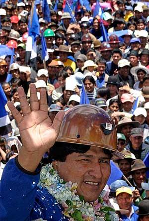Evo Morales en un mítin. (Foto: REUTERS)