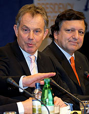 Tony Blair y Durão Barroso. (Foto: REUTERS)