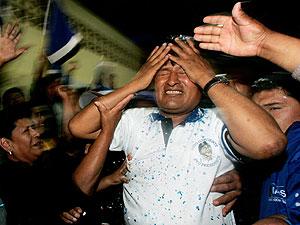 Evo Morales celebra su victoria en Cochabamba. (Foto: REUTERS)