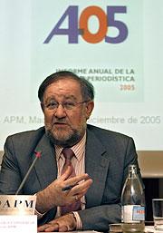Fernando González Urbaneja, en la presentación del informe. (Foto: EFE)