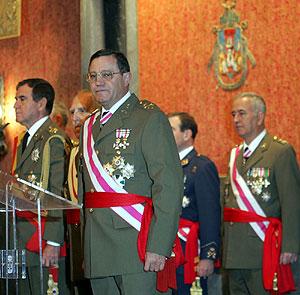 Mena Aguado (en primer plano), durante el acto. (Foto: Jesús Morón)