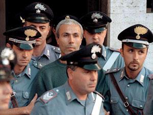 Ali Agca a su llegada a un tribunal de Roma en 1995. (Foto: EFE)