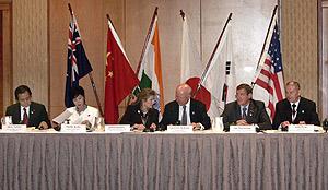 Los delegados de los seis países, en el inicio de la cumbre. (Foto: REUTERS)