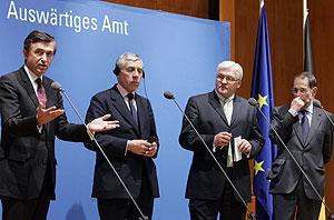 Los ministros de Exteriores y Javier Solana. (Foto: AP)