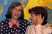Ana Martínez de Aguilar y Carmen Calvo. (Foto: EL MUNDO)