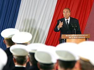 Chirac, durante su dicurso en la base de Ille Longue. (Foto: AP)