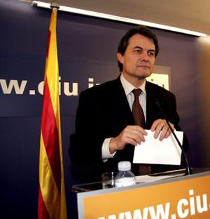 El presidente de CiU, Artur Mas. (Foto: SANTI COGOLLUDO)