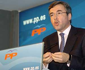 El secretario general del PP, Ángel Acebes. (Foto: EFE)