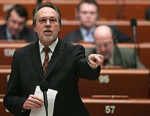 El fiscal suizo Dick Marty, hoy en Estrasburgo. (Foto: REUTERS)
