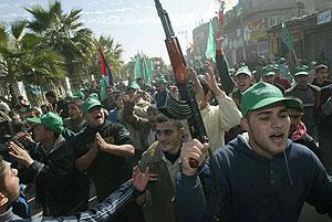 Simpatizantes de Hamas celebran su victoria en Rafah (Cisjordania). (Foto: AFP)
