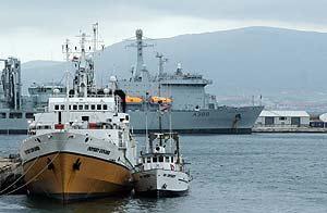El 'Odyssey', el pasado miércoles, en el puerto de Gibraltar. (Foto: EFE)