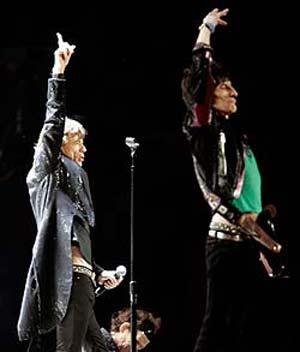 Mick Jagger (izda.) y Keith Richards durante su actuación en Detroit. (Foto: Reuters)