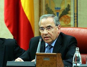 Alfonso Guerra ha inaugurado la sesión. (Foto: EFE)